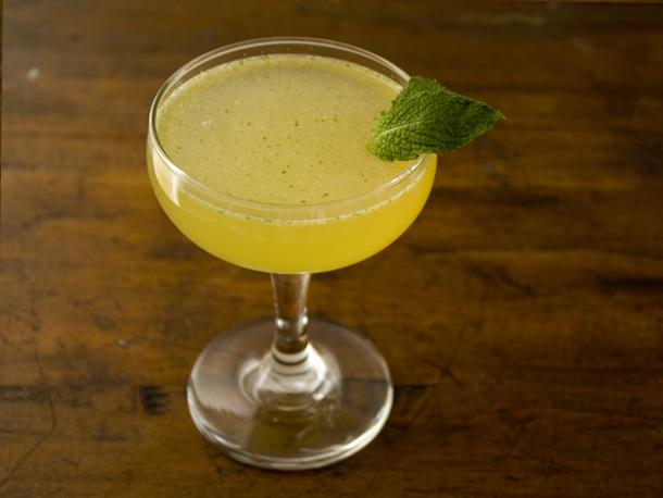 seasonalcocktails-cardamom_mint_cocktail