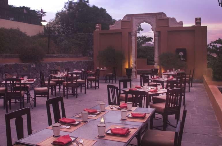 fort_jadhavgad_Terrace_Restaurant