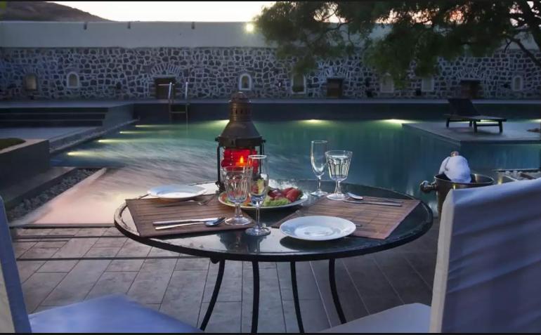 meal_by_the_pool_fort_jadhavgad