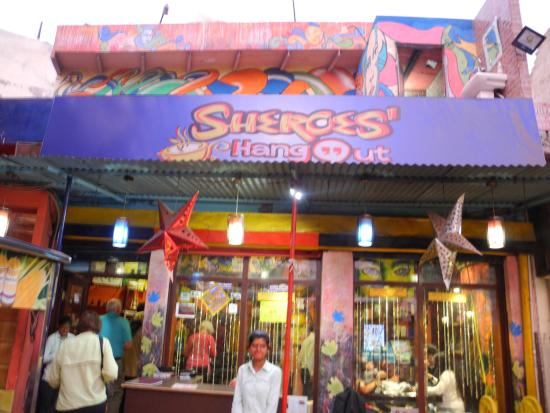 Sheroes cafe, Agra. Picture courtesy: Wikipedia