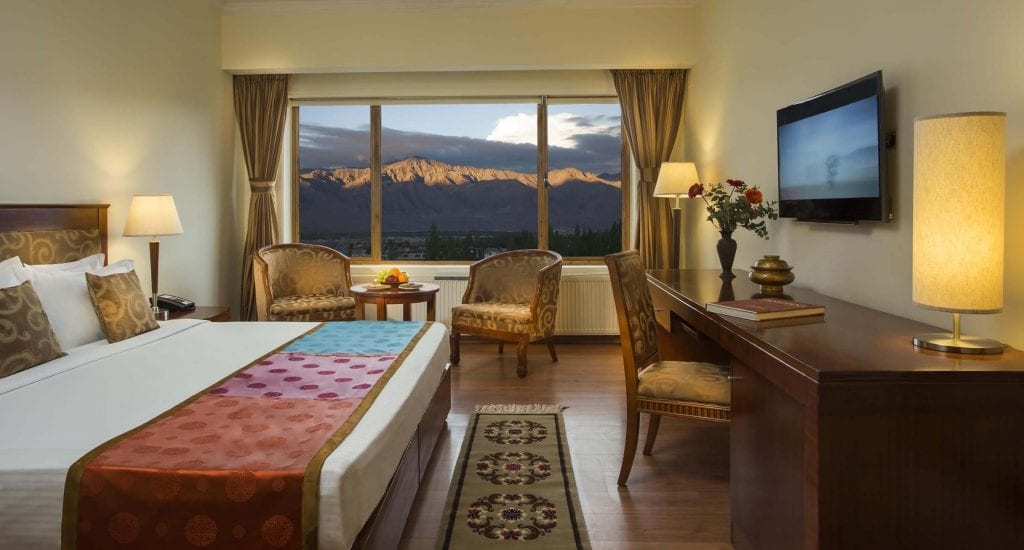 deluxe-room-the-grand-dragon-hotel-ladakh