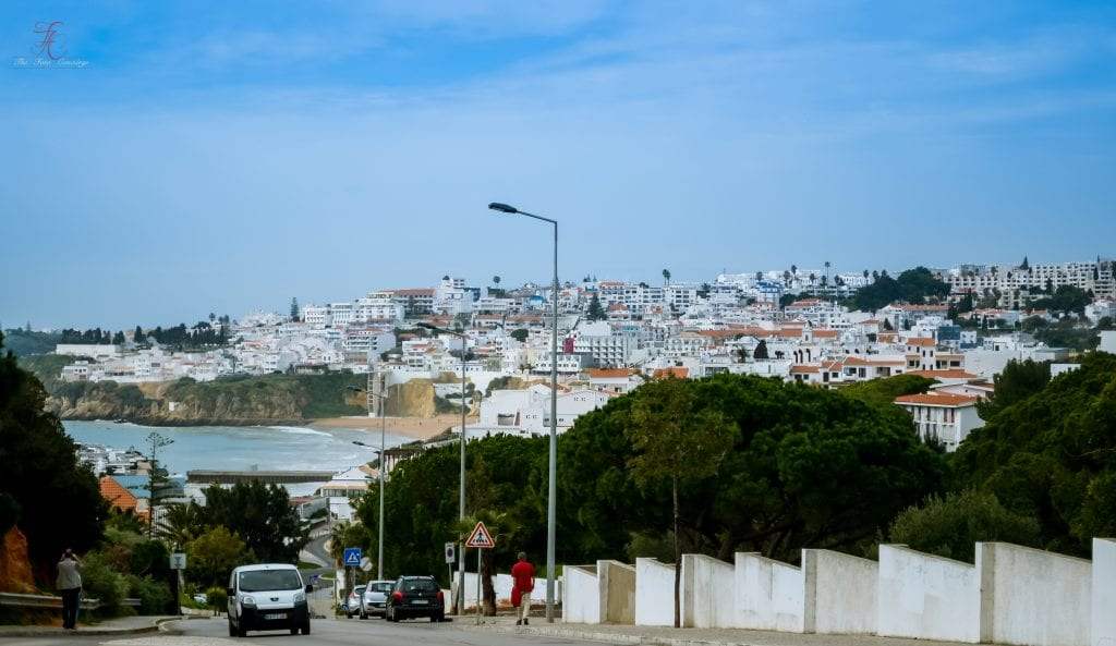 the-white-wash-red-roof-portugese-houses-look-straight-out-of-a-painting