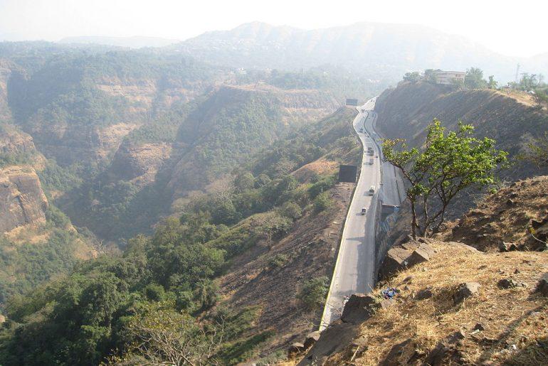 way towards khandala