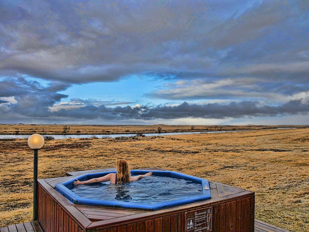 Ranga Iceland: Hot tub overlooking the Northern Lights