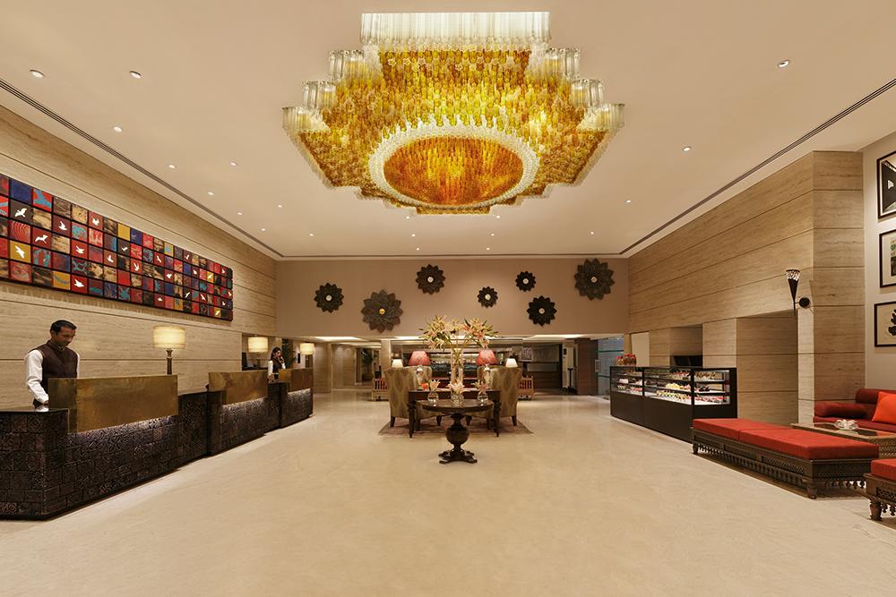 Grand Mercure, Lobby
