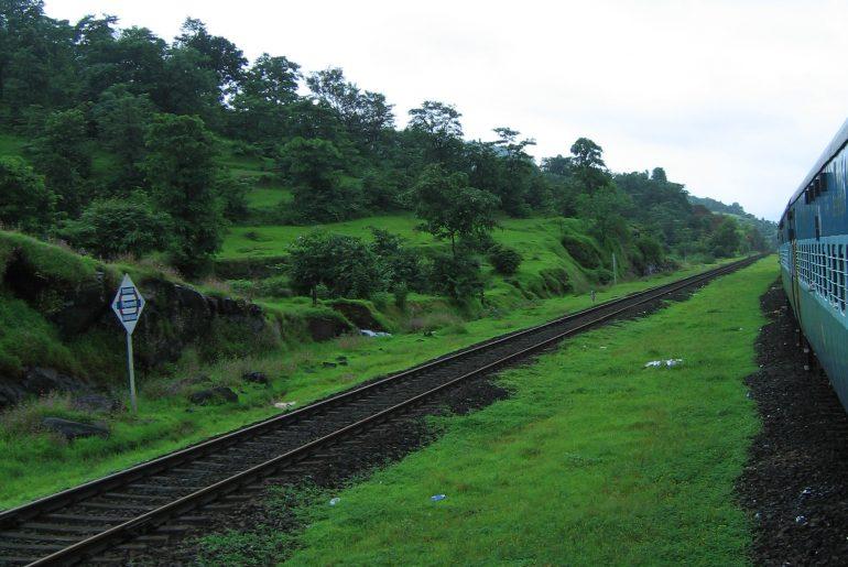 Konkan_Railway_-_views_from_train_on_a_Monsoon