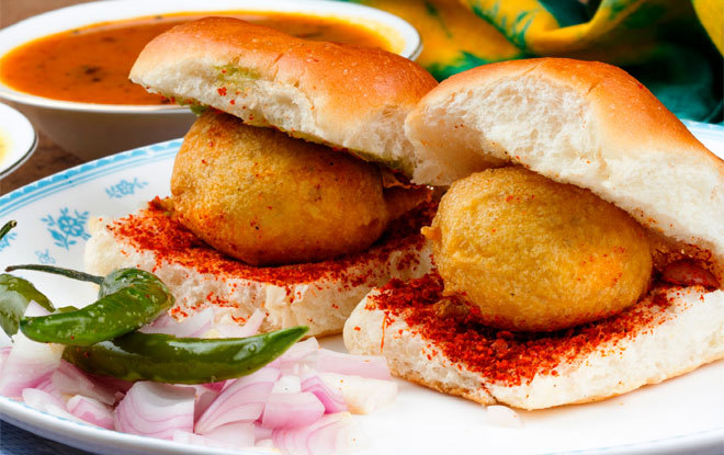 vada pav_monsoon