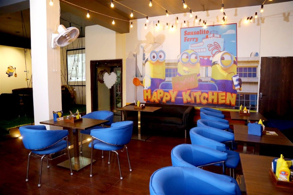 The Minnion Cafe, Delhi, Curly Tales