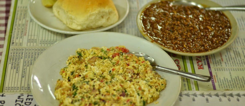 Cheese omelette & kheema pav