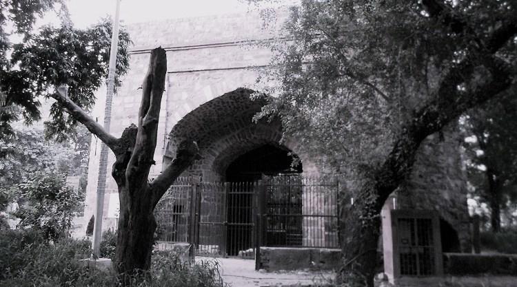 Khooni_Darwaza_haunted