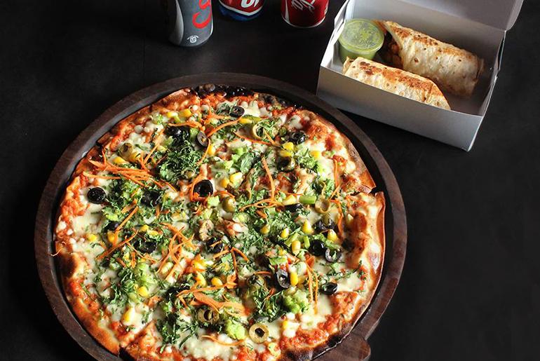 Pizza_room_service