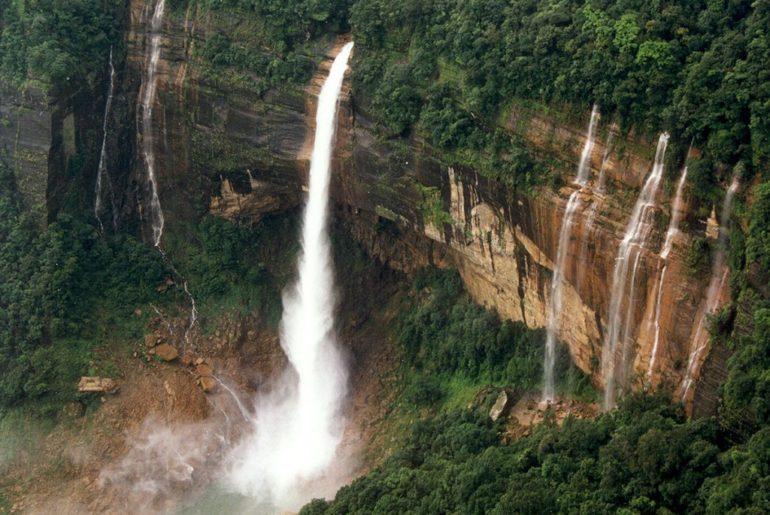 Tura-waterfall