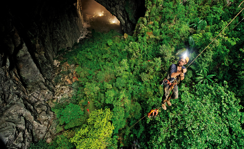 Son Doong Cave Vietnam - Curly tales