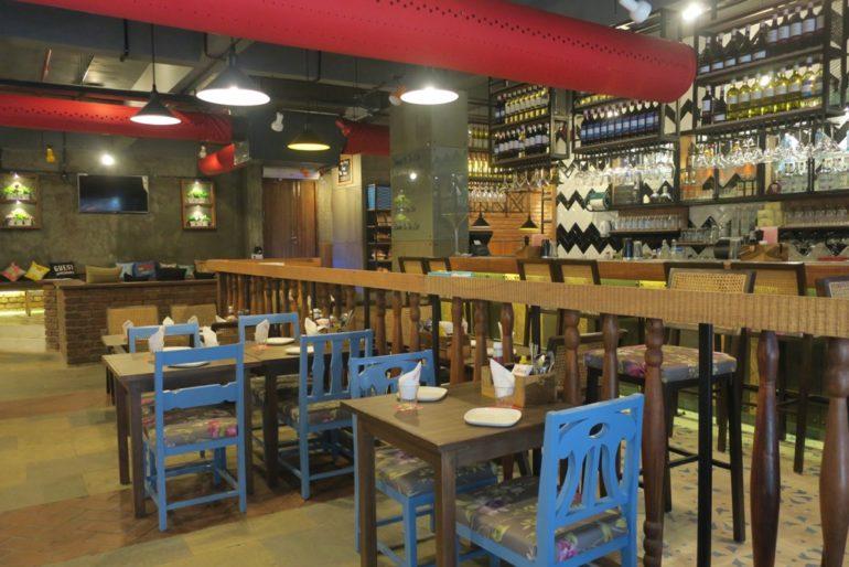 Cafe Delhi Heights