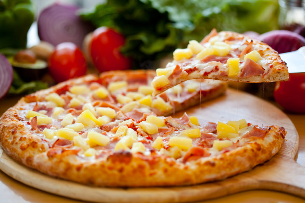 Pineapple pizza