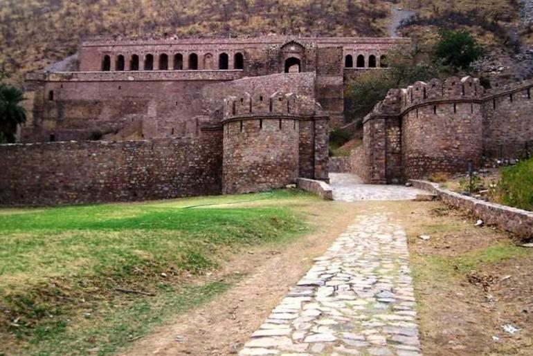 Bhangard fort