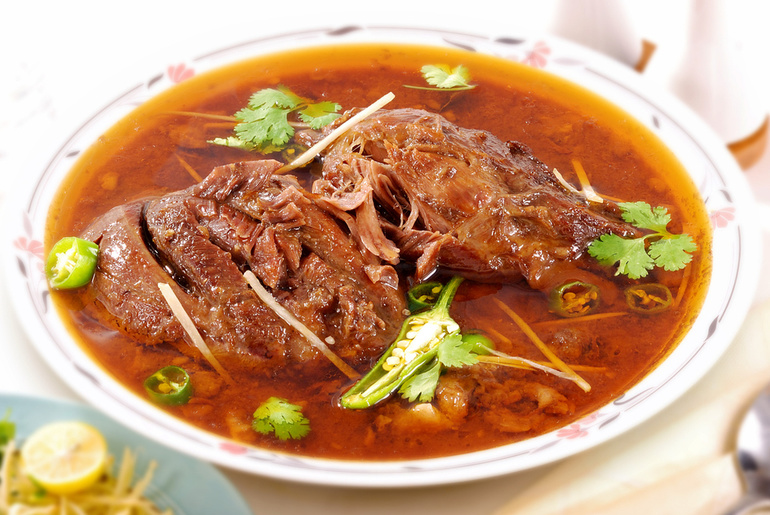 Nihari Dish Of The Famous Sufia Restaurant In Kolkata Is Here To Keep You Warm