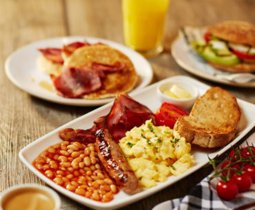 Not A Morning Person? These Breakfast Joints in Kolkata Will Make You One!