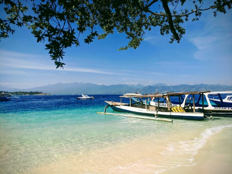 Bali to impose tax on tourists