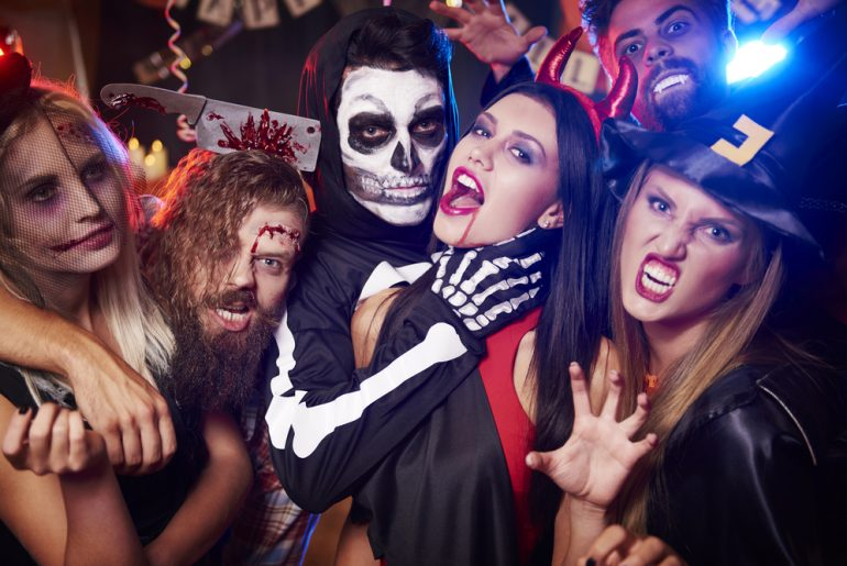 Enjoy The Biggest Halloween Party By Curly Tales In Mumbai At Pranzi Ristorante and Lounge