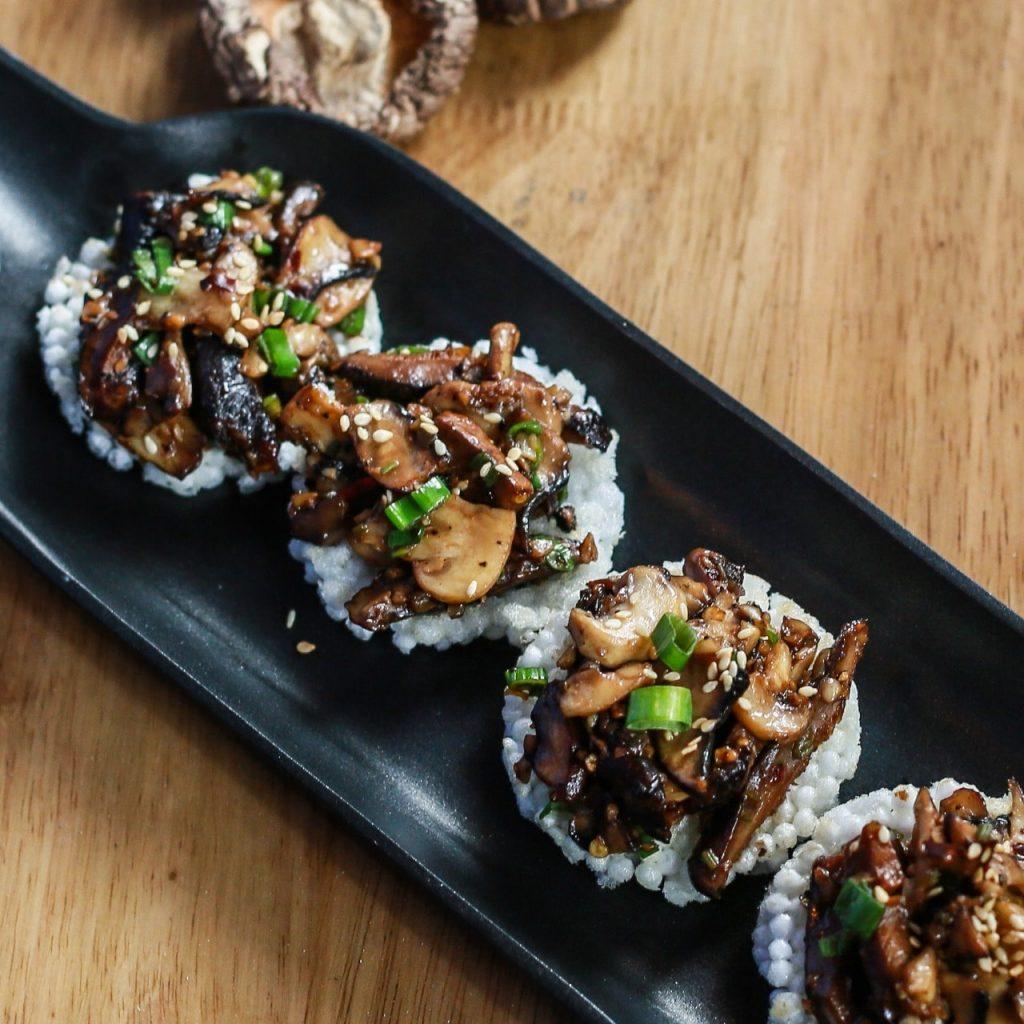 Mushrooms on sago chips - HYDEMushrooms on sago chips - HYDE