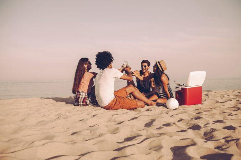 Goa bans drinking at beaches
