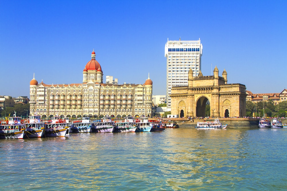 Uber launches speedboat services from Gateway Of India