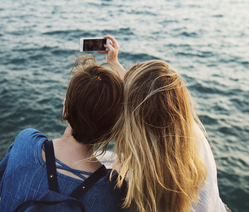 Indian government is creating strict 'no-selfie' zones
