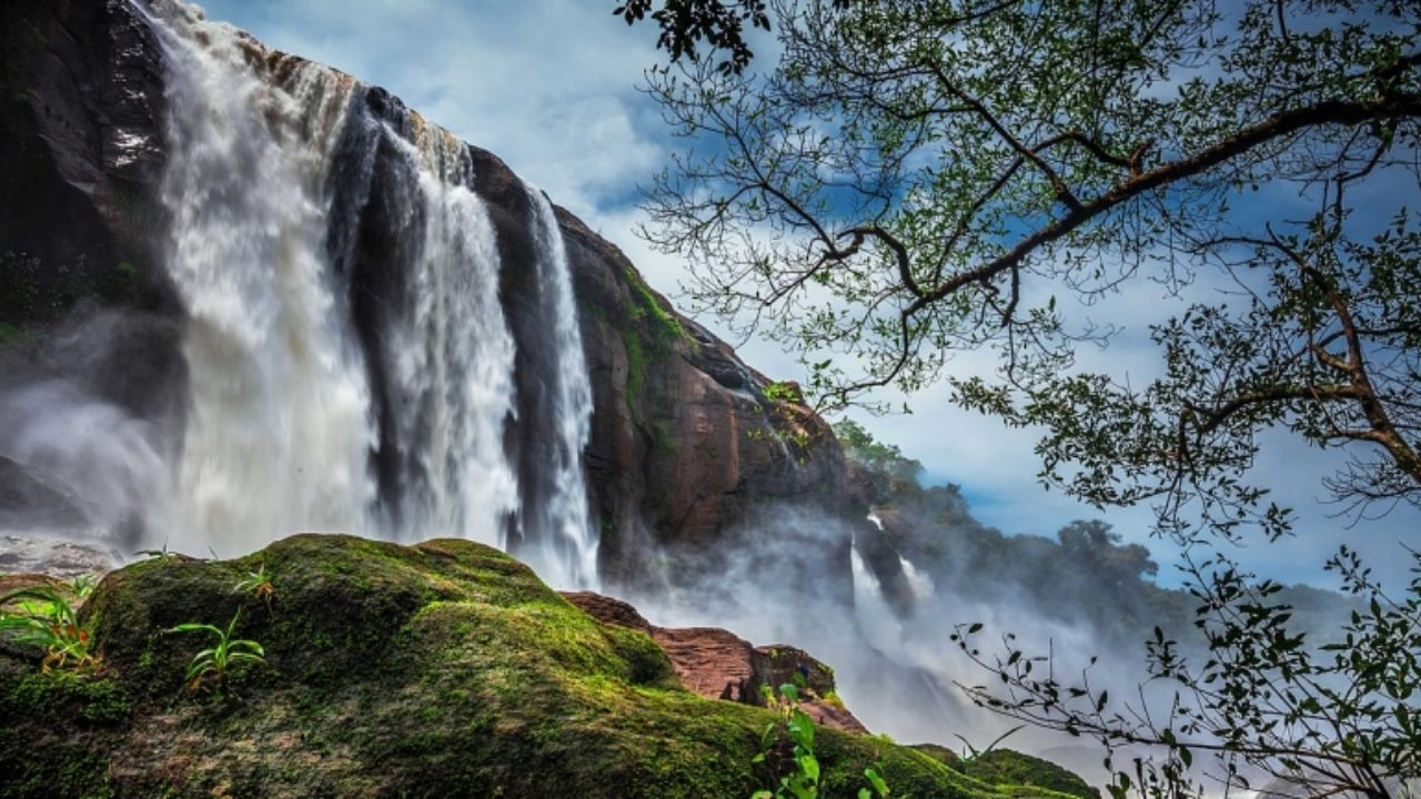 """Visit The """"Niagara Falls Of India"""" In Thrissur, Kerala 