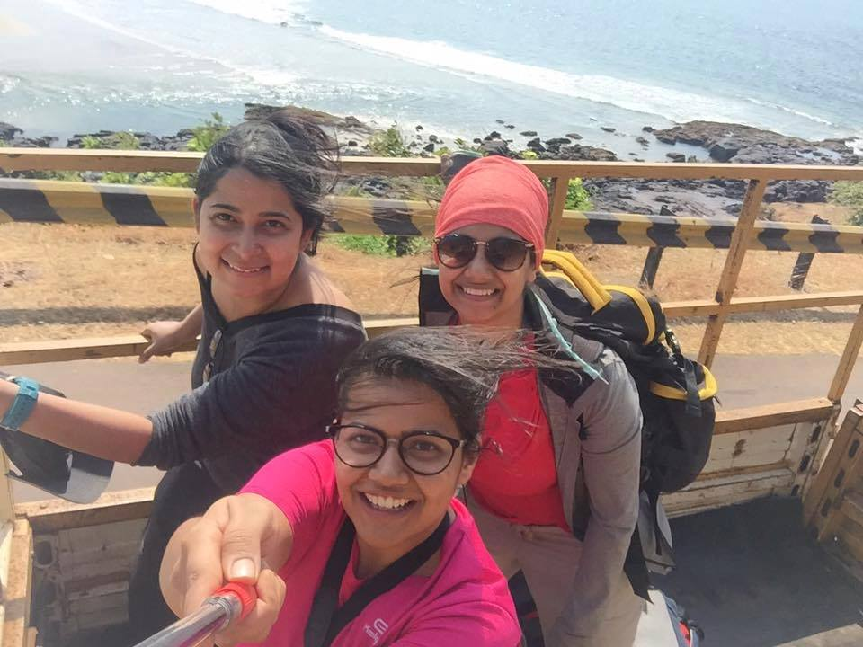 Sukanya Sharma & Her Friends Hitchhiked To Goa On A Budget Of Just Rs 100 Per Day