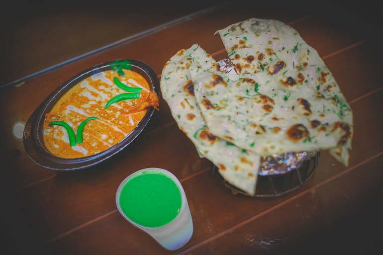 736 AD In Delhi Is Serving Bottomless Butter Chicken And Naan For Rs 499 ONLY