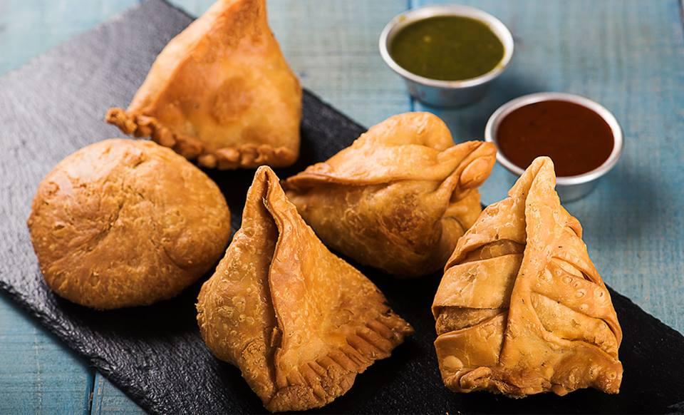 best samosa places in bangalore, samosa party