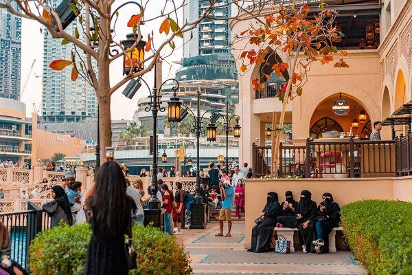 Study Reveals Dubai Has Twice As Many Men Than Women