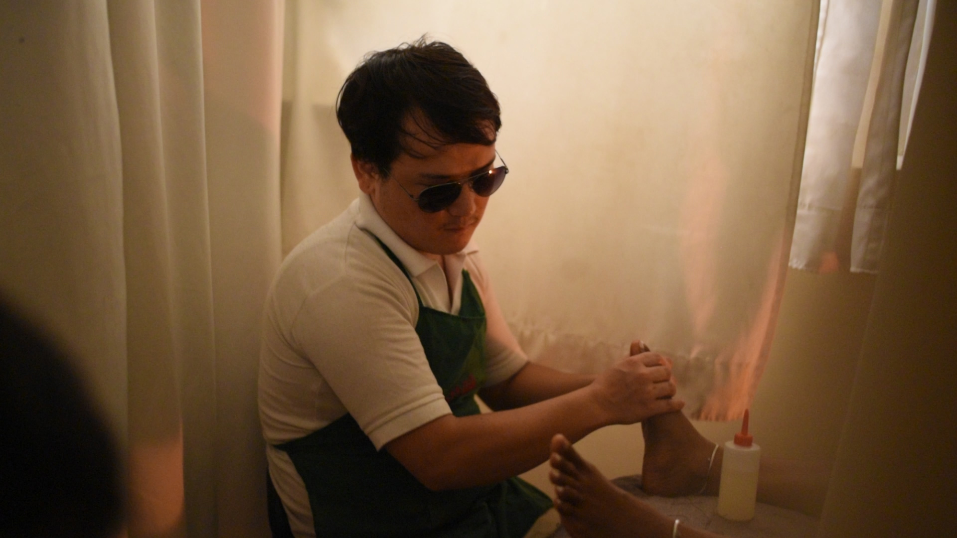 This Spa In Mumbai Is Run By Visually Impaired Therapists At Mettaa Reflexology Center