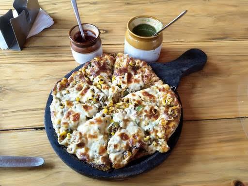 best paratha places in bangalore, de parathzzaa cafe