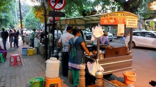 best maharashtrian places in bangalore, lokesh vada pav and pav bhaji stall