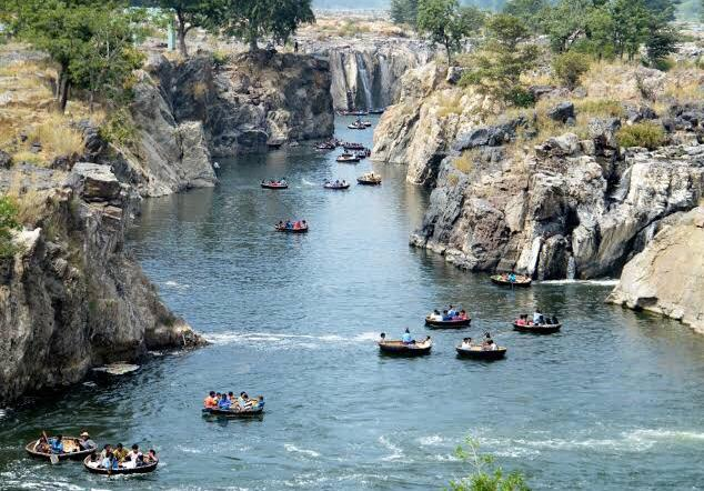 romantic new year's getaways from bangalore, hogenakkal falls