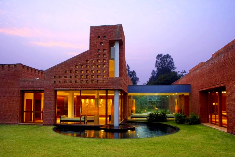 luxury resorts near Delhi