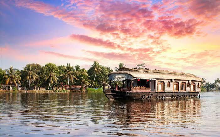 Most Romantic Honeymoon Beach Destinations In India, alleppey