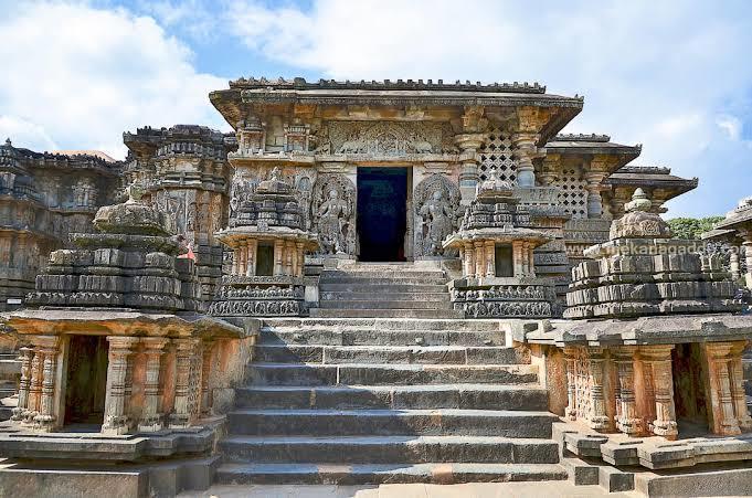 best march honeymoon destinations in india, halebidu