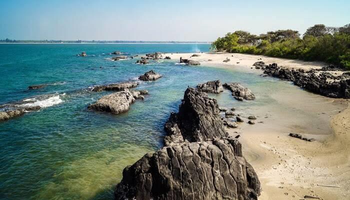 Most Romantic Honeymoon Beach Destinations In India, st mary's island near udupi