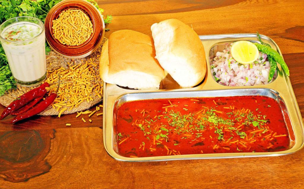 best maharashtrian food places in bangalore, mast marathi
