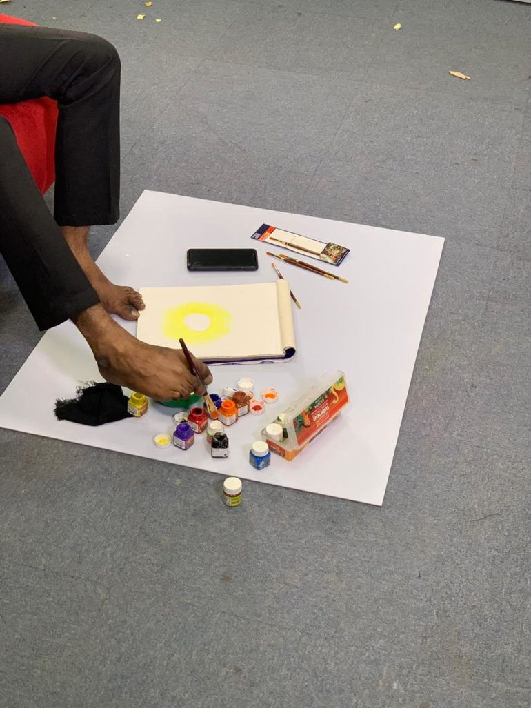 Meet Nadeem Shaikh A Foot Artist With Passion And Positivity As His Painting Tools Curly Tales