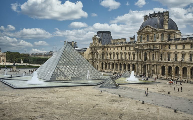louvre museum and other tourists sites in italy and france