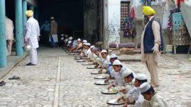 punjab gurudwara feeds madrasa students