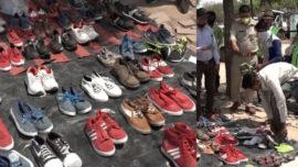 Agra Police Offers Shoes To Migrant Workers