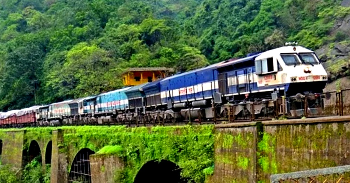 Indian Railways To Be World's First 100% Electric Railways With Zero Carbon  Emissions By 2030 | Curly Tales