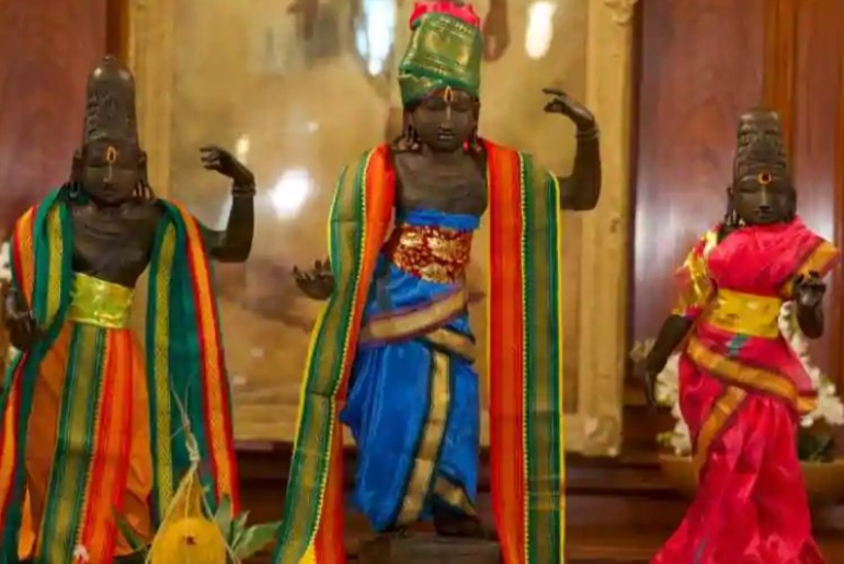 uk returns idols to India