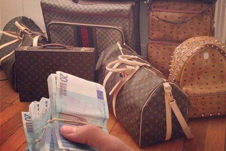 Avoid Being Pick-PocketedWhile Travelling