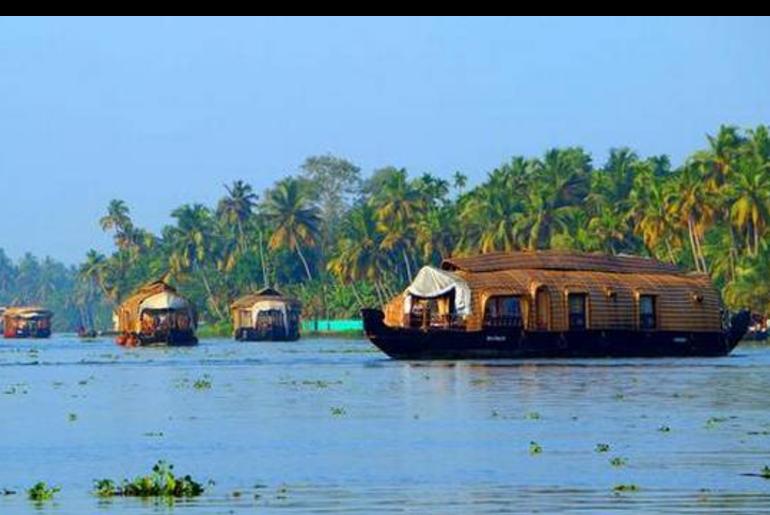 houseboat godavari river